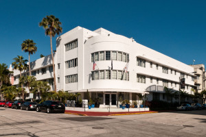 Riviera Hotel & Suites – South Beach
