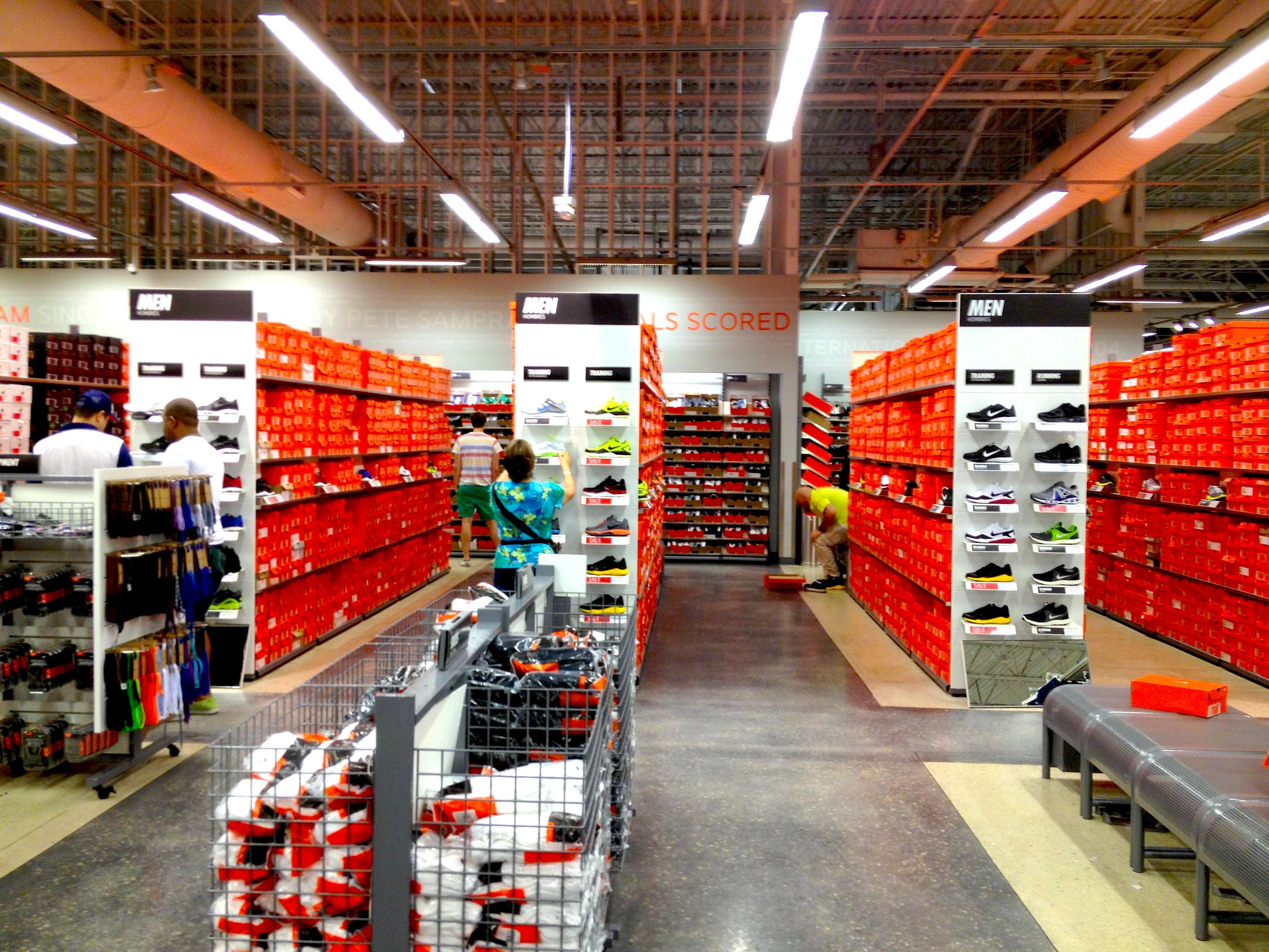 29661e03adbb Compras em Miami - Nike Factory Store - Ponto Miami - Ponto Miami ...