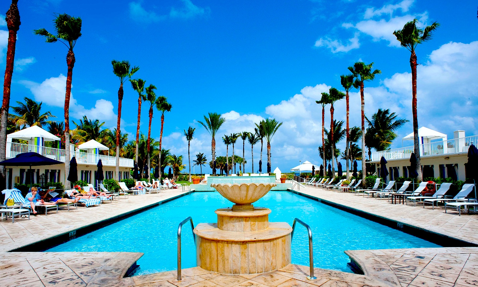 Surfcomber Miami South Beach