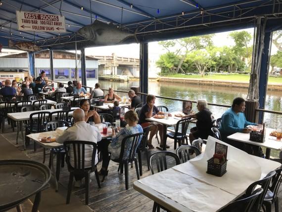 Ponto Miami Restaurantes em Miami Rustic Inn 003